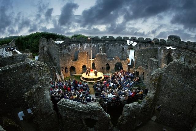Kneehigh Tristan & Yseult Restormel Castle
